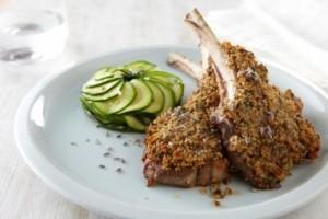 recette-e4752-cotes-d-agneau-en-croute-de-lavande-cocotte-de-courgettes